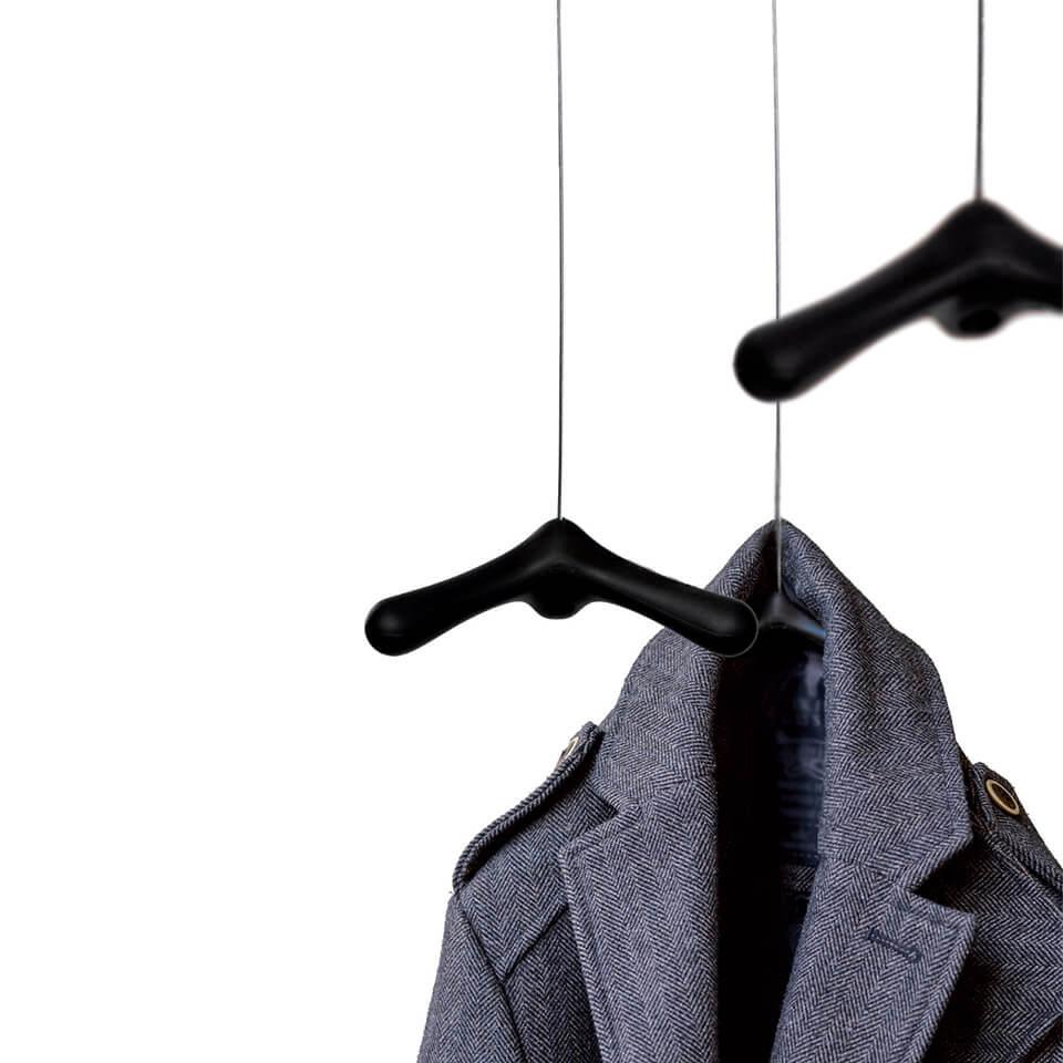 flying hooks goods garderobe
