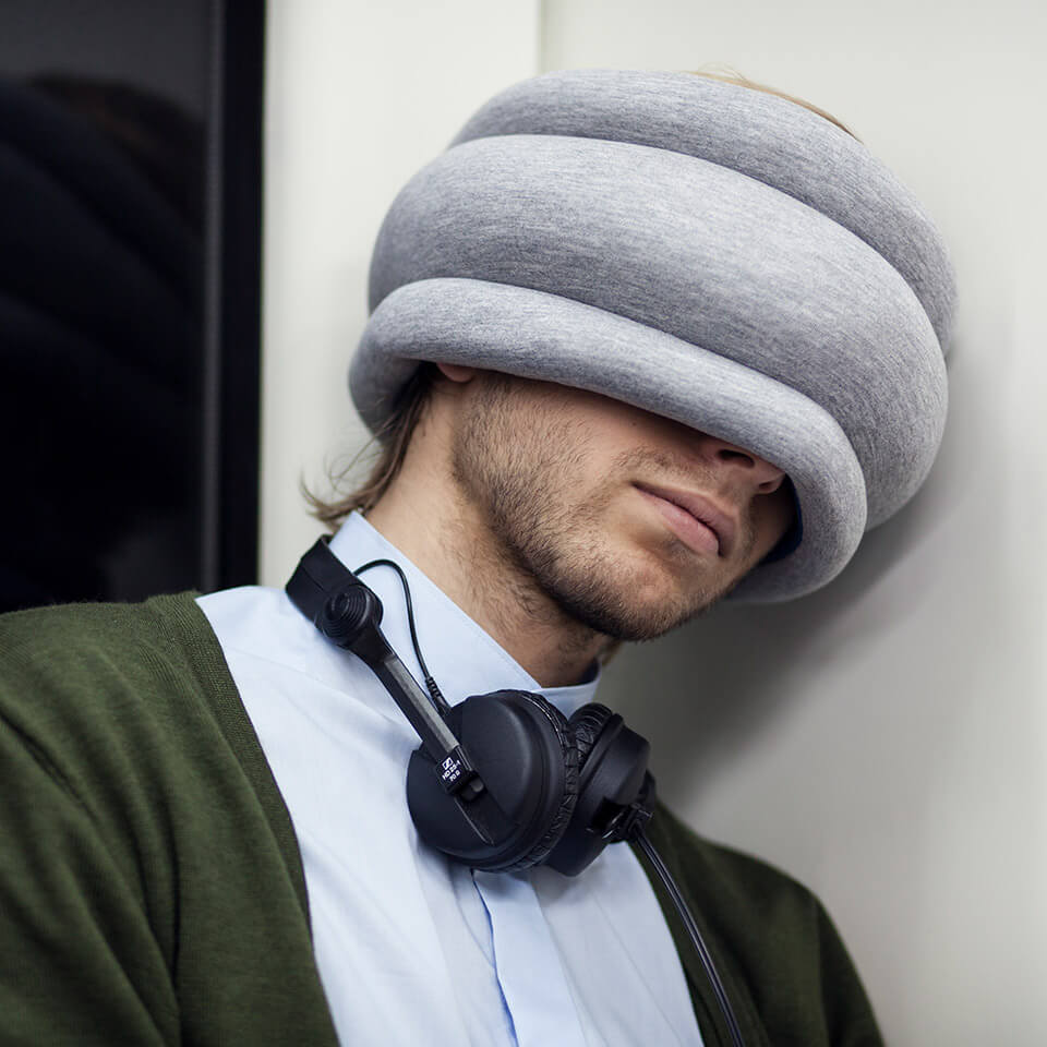 ostrich pillow light studio banana kissen